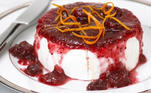 #Epicure Baked Brie with Cranberry Sauce