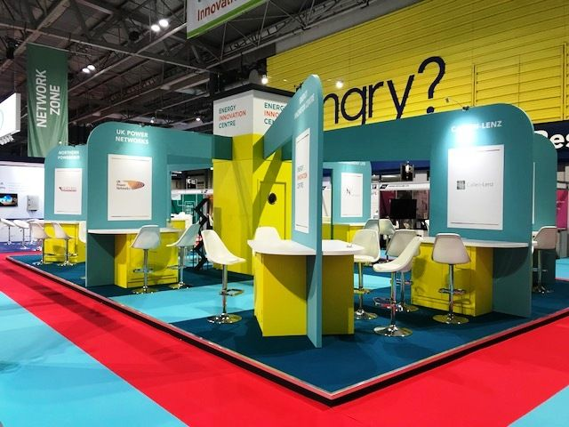 Modular Exhibition Stands Zone : Modular display with seating to create a network zone at a trade