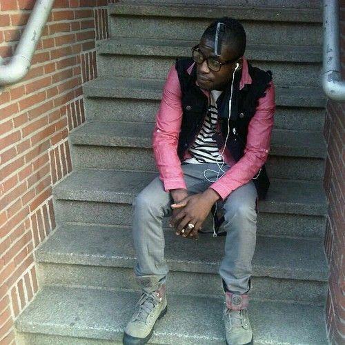 Makemyself nieuwe pokoe - Money Money Beat: Mr.V The verse is gezongen door Makemyself Maar het is nog niet klaar