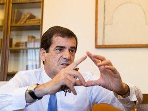 Presidente da Câmara Municipal do Porto deixou uma mensagem no seu perfil privado no Facebook http://expresso.sapo.pt/politica/2017-11-22-Infarmed-no-Porto-Rui-Moreira-diz-estar-a-adorar-o-ressabiamento-de-alguns/