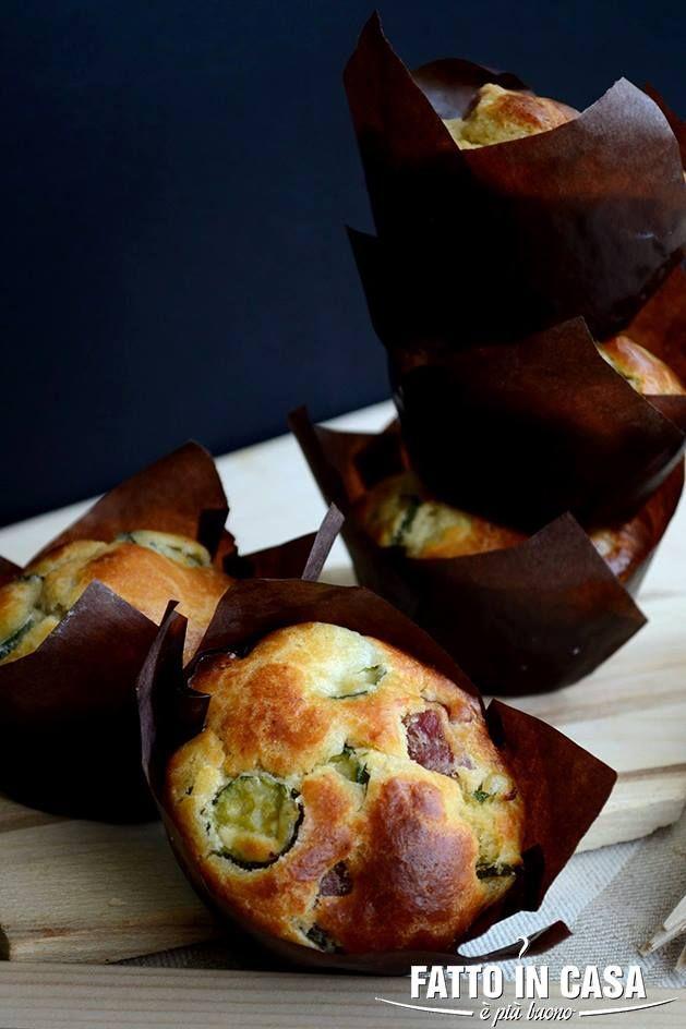 Muffin Salati http://fattoincasaepiubuono.blogspot.it/2014/05/cornbread-muffin-con-zucchine-salame-e.html#more