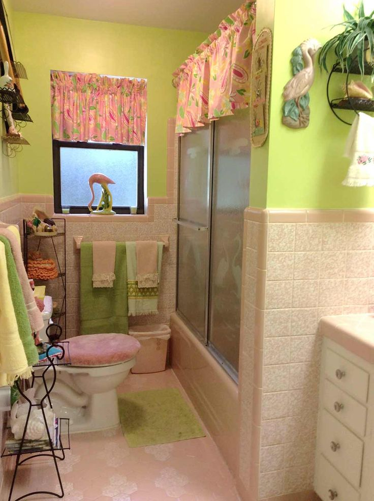 Good Vintage Pink Bathroom | Interesting Theories About Color, Although There  Are Quite A Few Things