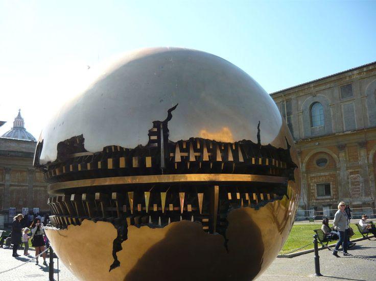 Золотой шар Ватикана (Vatican, Città del Vaticano)