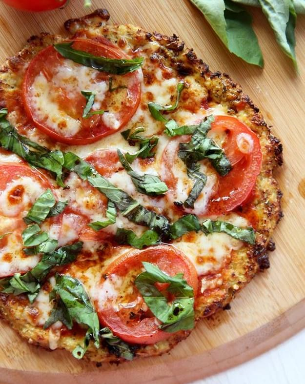 Cauliflower Pizza Crust | Alternative Healthy Pizza Recipes That Really Taste Like Heaven! You'll Never Go Wrong With These 10 Easy And Delicious Dinner Ideas by Homemade Recipes at http://homemaderecipes.com/healthy-pizza-recipes/