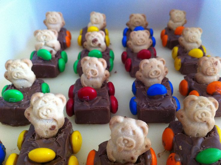 Make these Teddy Bear Race Cars at home for your child's next birthday party or simply for an afternoon treat. The kids will love it!