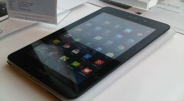 """Apakah anda sedang mencari tablet yang dapat berfungsi sebagai telepon? Silahkan cek sekarang juga pada artikel yang telah saya ini """"ASUS Fonepad Tablet 7 inci dengan Fungsi Telepon"""""""