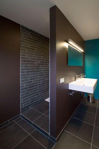 Badkamer in chocolade met appelblauwzeegroen