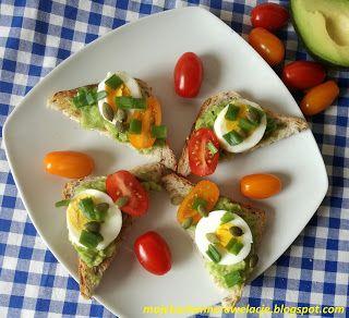 Moje                                                                       Kuchenne Rewelacje  : Tosty z guacamole i jajkiem