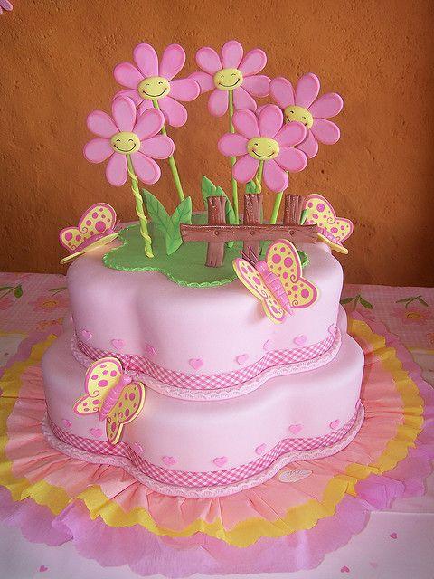 Happy face flowers cake by CAKES Variedades Dalila, via Flickr