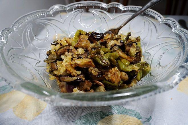 DELICOUS EGGPLANTS! Melanzane con peperoncini verdi dolci ;)