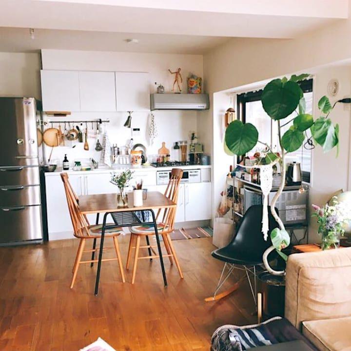 二人暮らしの素敵なインテリア 2人の趣味を生かしたおしゃれな空間づくり Folk リビング インテリア 賃貸 インテリア 小さなアパートのキッチン