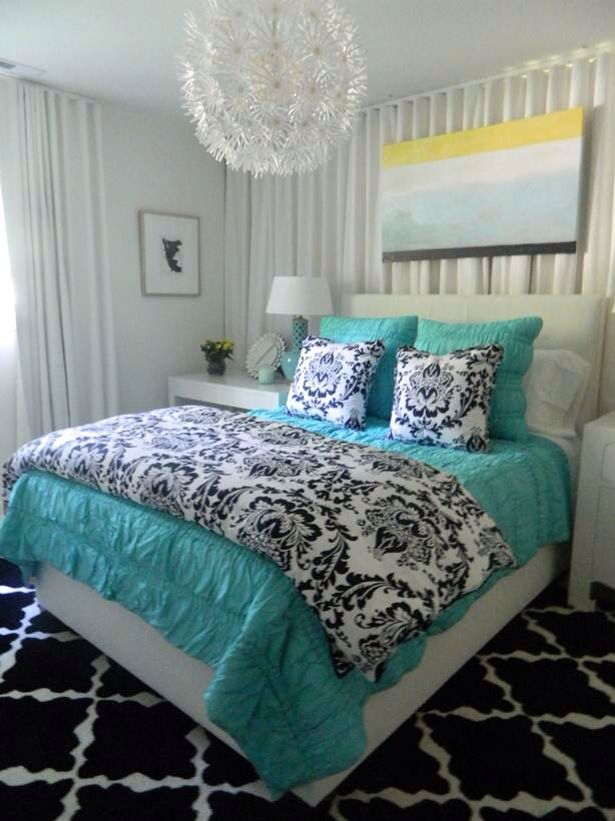 Love the light and the bedsheets ideas for the new house for Bedroom ideas young adults