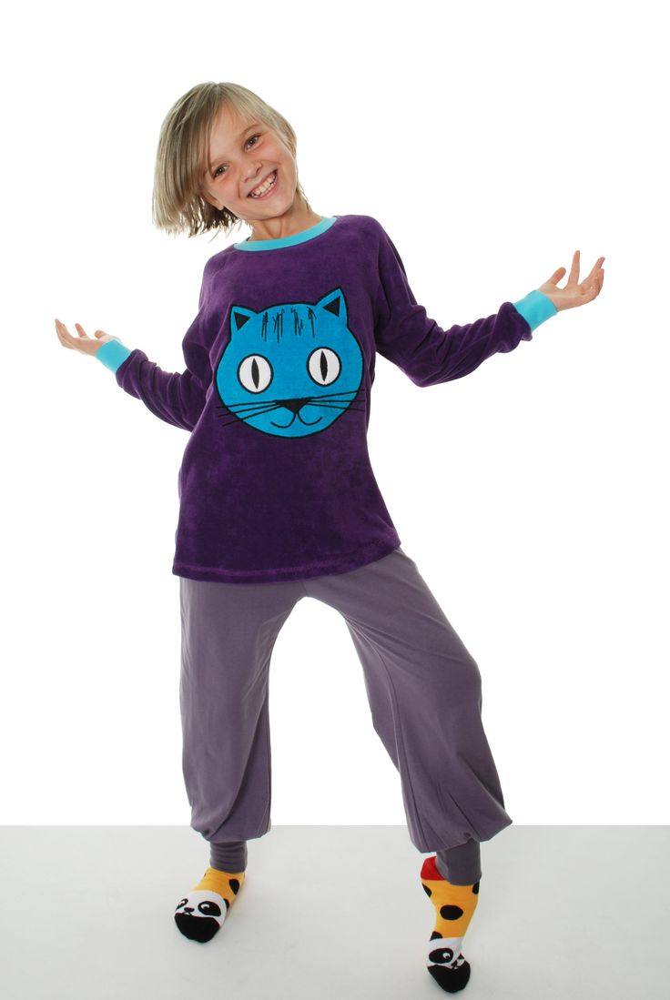 Purple Cat Terry Raglan Shirt  by DUNS Sweden. Made from 100% GOTS Certified Organic cotton. Available at Modern Rascals.