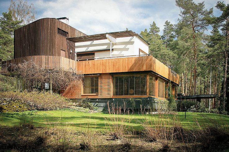 Luksusowa willa w Finlandii; budownictwo skandynawskie; fot. BE&W, Lehtikuva/East News #willa #luksusowa #Finlandia #dom #skandynawia #północ #skandynawski #styl #rezydencja #pomysły #house #finland #scandinavian