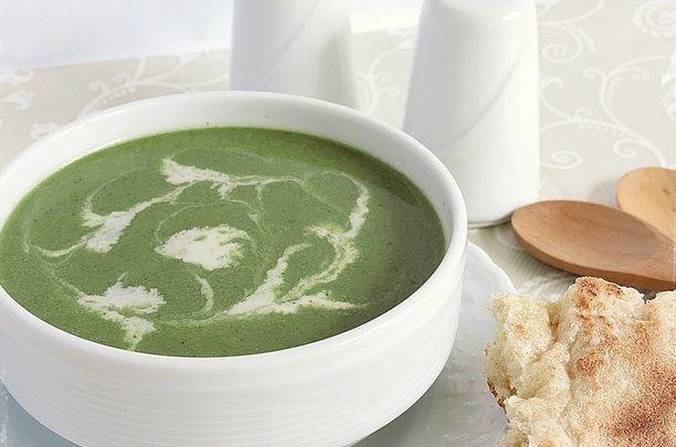 Isırgan çorbası çok faydalı bir çorba tarifidir. Sizlerde evinizde bu lezzetli çorbayı rahatlıkla hazırlayabilirsiniz.