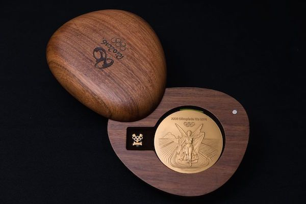 Rio 2016 Olympic Medals Are Stored In Lovely, Pebble-Shaped Wooden Boxes…
