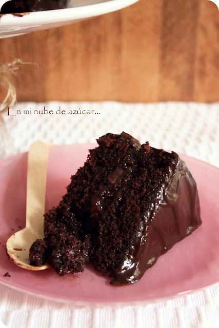 """En mi nube de azucar....: """"La tarta de chocolate""""    La he hecho varias veces, increíblemente rica y muy muy sencilla :D"""