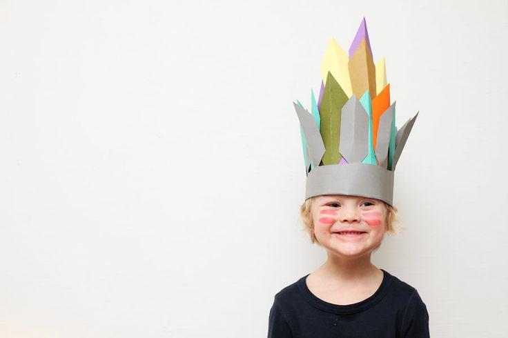 Amazing headdress via http://www.weekdaycarnival.blogspot.com/