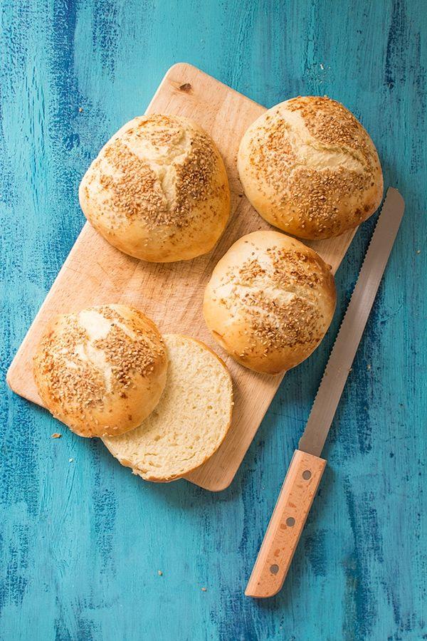 recette de buns ou pains hamburger sans machine pain burgers pinterest biscuits au. Black Bedroom Furniture Sets. Home Design Ideas