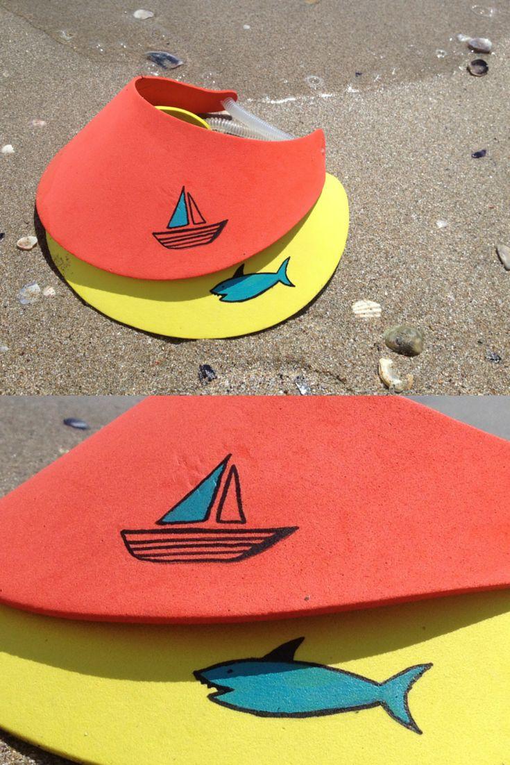 Kšilty vyrobené z pěnové hmoty moosgummi. Pomalované jsou akrylovými fixami. Aktivita pro děti na tábory a na prázdniny.