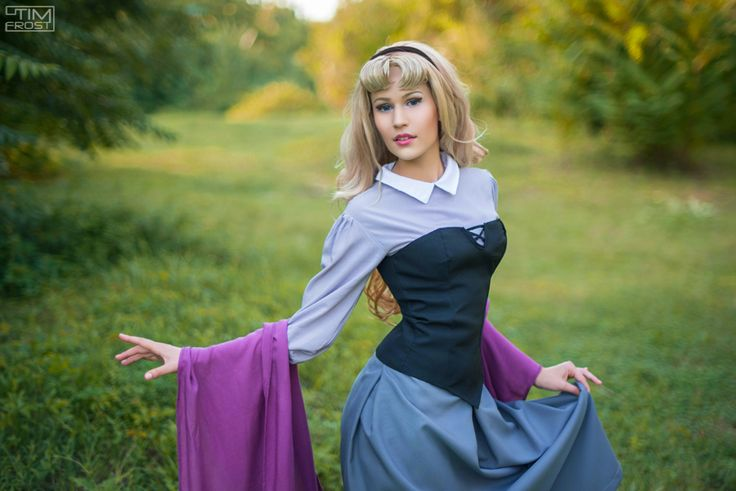 Princess Aurora cosplay by Lena Lewin http://elena89hikari.deviantart.com/ #aurora #princess_aurora #aurora_cosplay #princess_aurora_cosplay #disney #disney_cosplay #princess #girl_with_flowers #blond_hair #sleeping_beauty #sleeping_beauty_cosplay #аврора #принцесса_аврора #аврора_косплей #спящая_красавица #princess_aurora_costume #принцесса_аврора_костюм