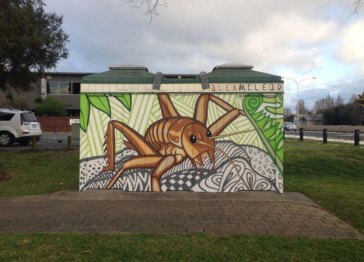 brush and spray paint, New Zealand