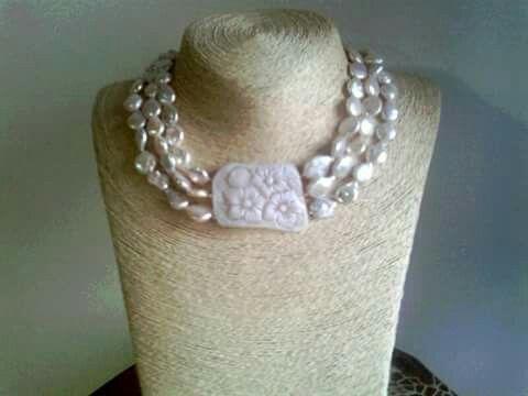 collana ...cammeo floreale corallo.confetti.perle...Pucci