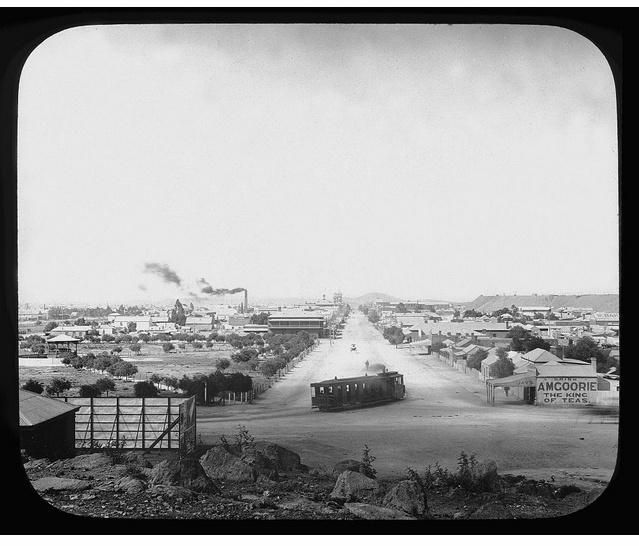 1908 Tram turning into Argent Street, Broken Hill (NSW)