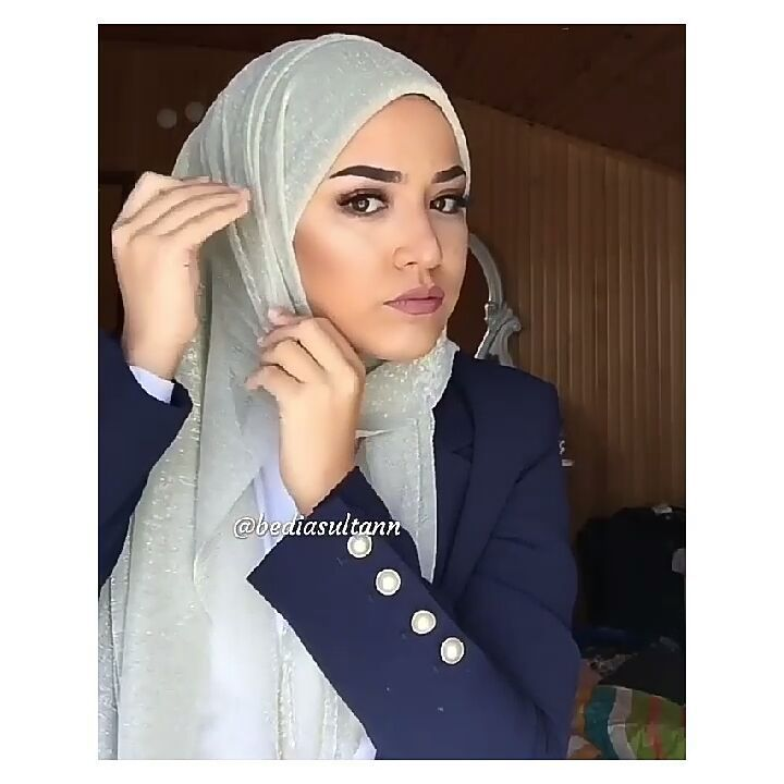 "2,229 Beğenme, 21 Yorum - Instagram'da ernie mavie (@erniemavie): ""#hijab #hijabers #hijabchamber #tesettur #tesettürlü #tülesarp #şal #hijabtutorial #tutorialhijab…"""