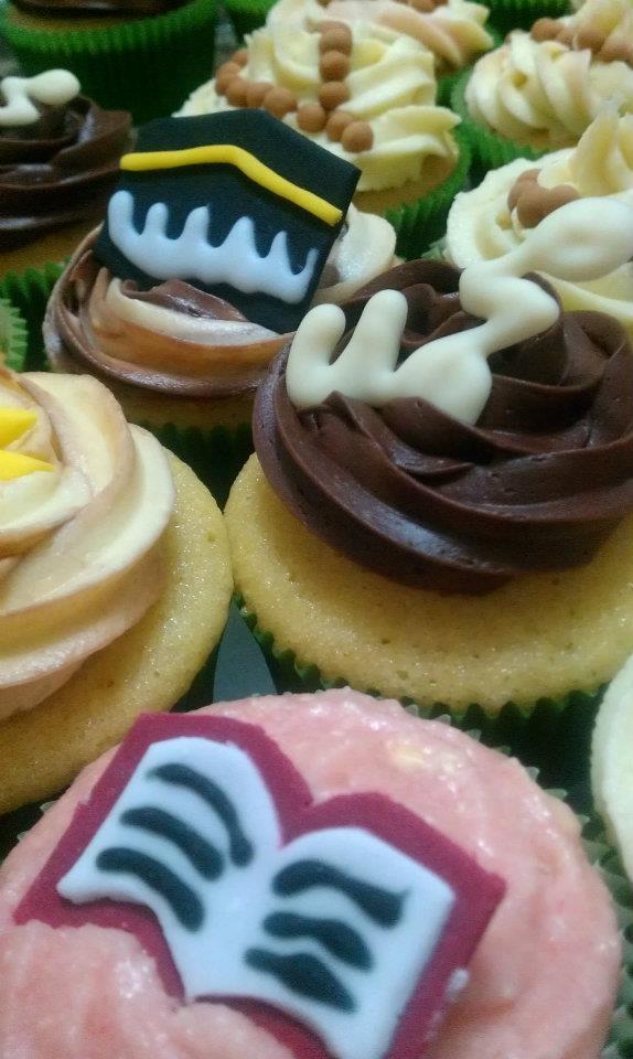 Umrah Banner: 10+ Images About Muslim Cake Decorations On Pinterest