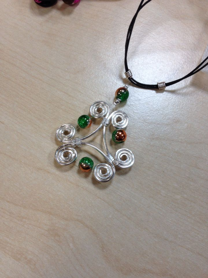 Celtic wire and bead pendant 2