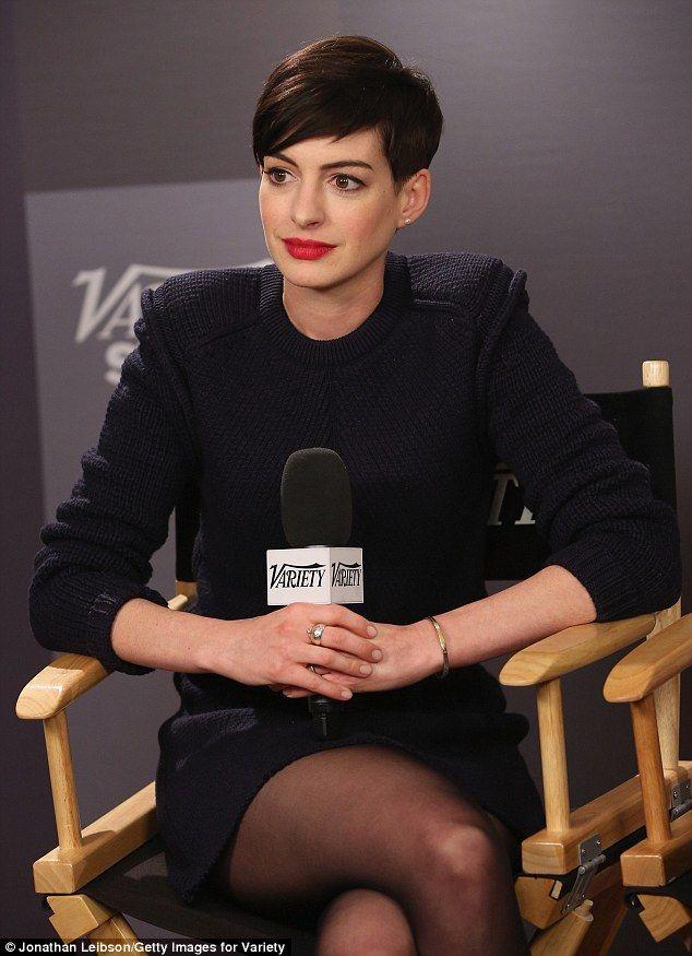 Short hair Anne Hathaway