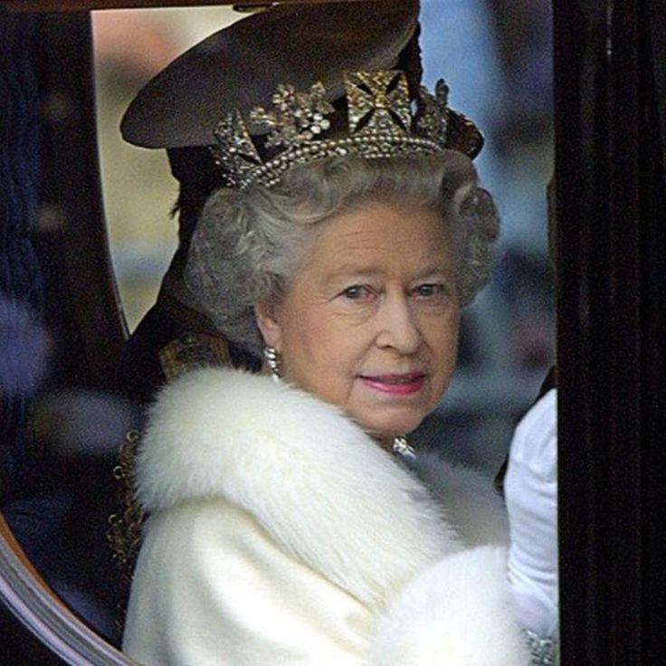 Η βασίλισσα Ελισάβετ Β', η γηραιότερη μονάρχης με τη μεγαλύτερη θητεία στο θρόνο παγκοσμίως, συμπλήρωσε φέτος 65 χρόνια βασιλείας και γιορτάζει τα 91α της γενέθλια. Στις 6 Φεβρουαρίου 2017, η βασίλ…