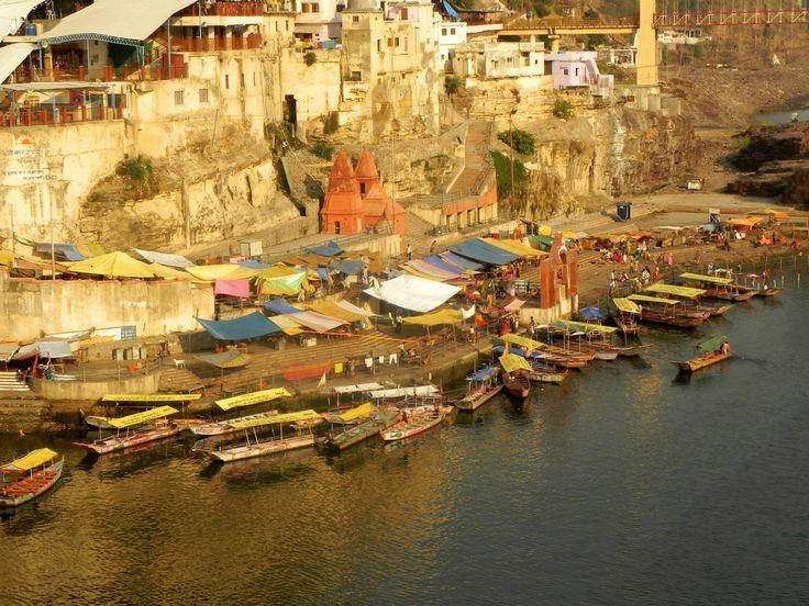 #Omkareshwar is on an island called Mandhata or Shivapuri in the Narmada river; the shape of the island is said to be like the Hindu ॐ symbol.