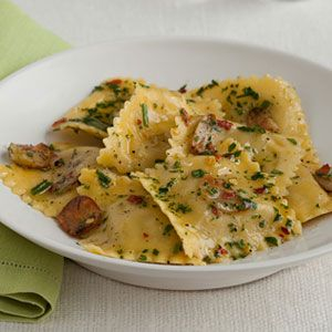 Cheese Ravioli with Garlic-Herb Oil for an easy Meatless Mondays recipe