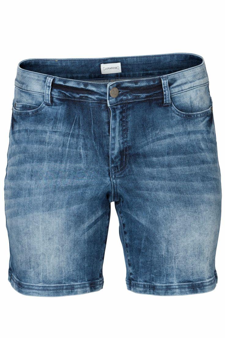 De zomer staat voor de deur, dus de korte broeken kunnen weer aan! Met dit hotte item ben je helemaal summer proof. Nu voor €44,95. | Bagoes Plus Size Fashion | www.bagoes.nl