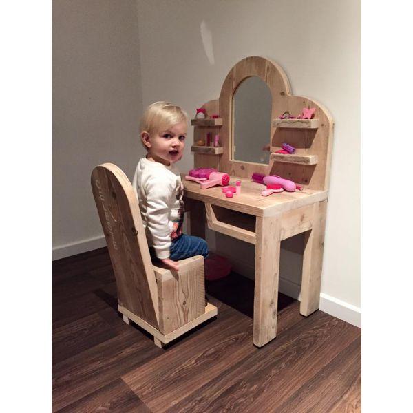 Keuken Steigerhout Kind : op Pinterest – Kleine Keuken Tafels, Houten Tafels en Kinderen Lampen