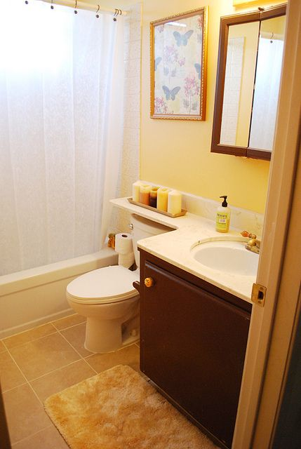 light yellow bathroom 25 best ideas about pale yellow bathrooms on 13467