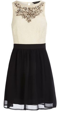 Lovely bridesmaid dress, using black without it being too severe or over-powering