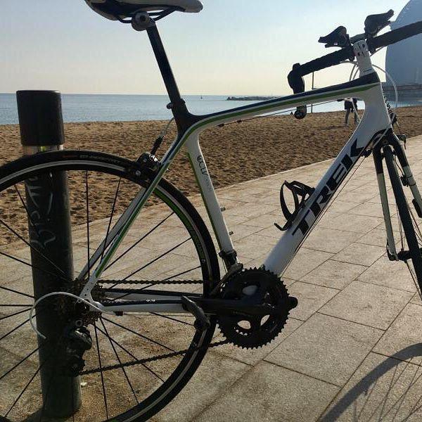 Gana velocidad  y ahorra dinero con esta TREK Madone por solo 950 Dejarás que se la quede otro? #bkie #bkieapp #ciclismo #bicycle #cycling #cyclingexperience #bicicleta #lifestyle #bikeride #carretera #roadbike #ruta #trek #madone