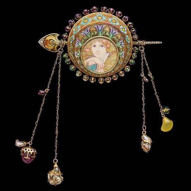 Corsage brooch by Alfons Mucha for George's Fouquet. C. 1900. Albion Art Institute.