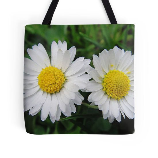 Two white daisies tote bag by fotosbykarin @ Redbubble #daisies #two #white #flowers #bags #totebags #Redbubble #fotosbykarin #KarinRavasio #kravasio