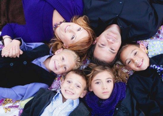 Ten tips for making Christmas family photos pop.
