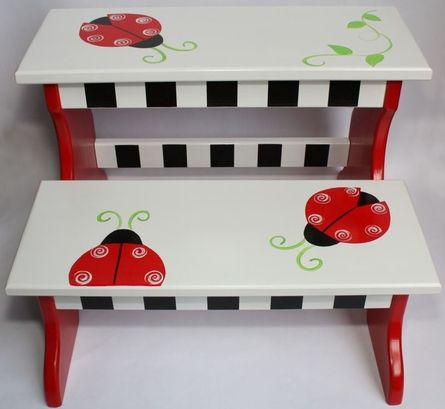 Cute stool.... @David Judd this is what I want you to make for little miss shorty-cakes :)