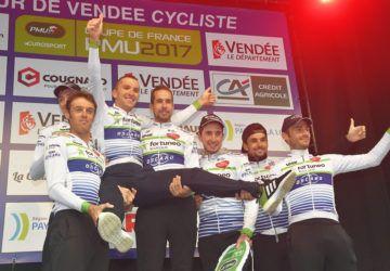 Bilan équipes : Fortuneo Oscaro continue son apprentissage  https://todaycycling.com/fortuneo-oscaro-continue-apprentissage/  #Bilan, #ContinentalPro, #CoupeDeFrancePMU, #Cyclisme, #Fortuneo-Oscaro, #SaisonCycliste2017, #TourDeFrance