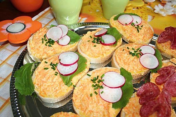 Česneková pomazánka s mrkví