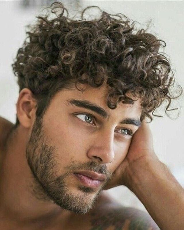 40 Modern Men S Hairstyles For Curly Hair That Will Change Your Look Curly Hair Styles Curly Hair Men Men S Curly Hairstyles