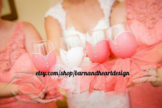Verres à vin fêtes nuptiales la main peint par BarnandHeartDesign