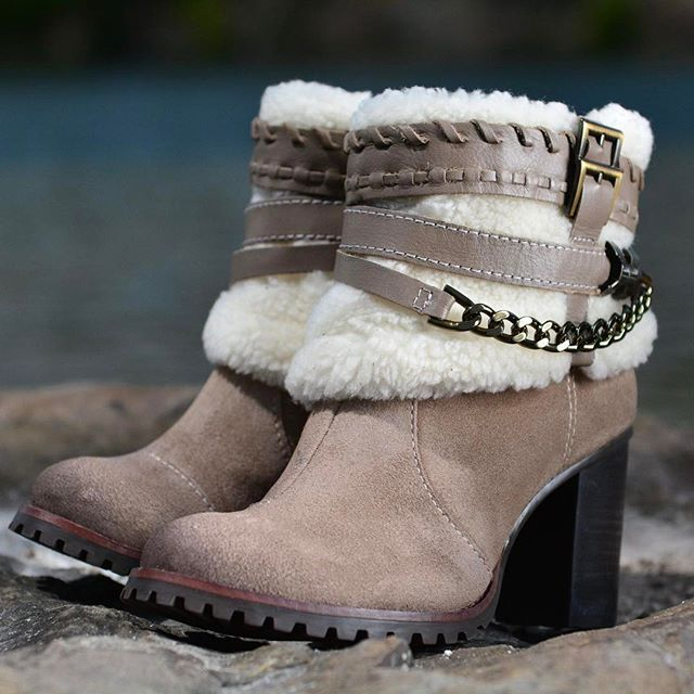 Stay warm and toasty, but also SUPER CUTE.|available in tan and black | use discount code Winter for 30% off #dparzshoes #shoes #BOOTS #winter #ridgewoodnj #201NJ #bestofbergen #wintertrends #ootd #shoeaddiction #happyfeet #fashion