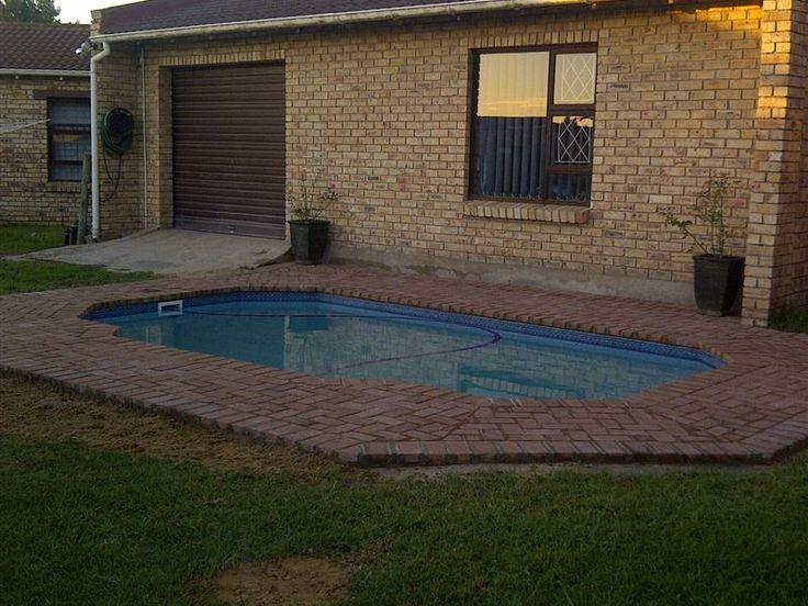 Den-Nay Cottage - We offer a lovely one bedroom cottage in a quiet neighbourhood, situated in Sherwood, Port Elizabeth. ... #weekendgetaways #portelizabeth #southafrica